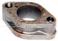 Zwischenstück links, zwischen Zylinderkopf und Auspufftopf, passend für (22KW) 30 PS-Motoren