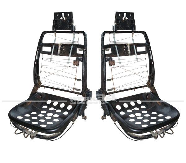 Satz Sitzgestelle mit einstellbaren Kopfstützen ab 08/72, gebraucht